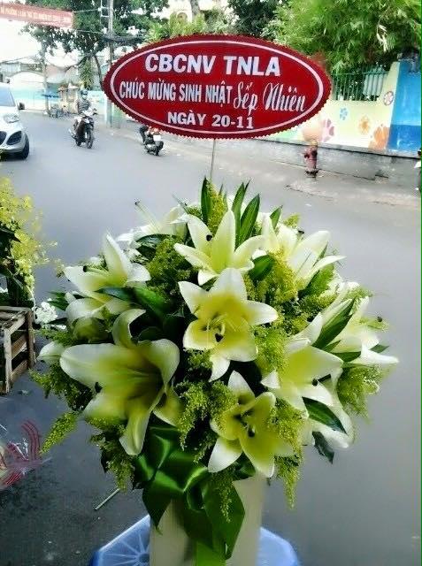 Bó hoa ly tặng sếp nam nhân ngày sinh nhật