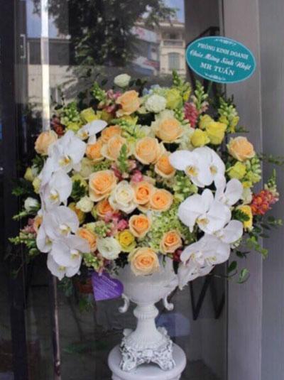 Bình hoa đẹp và sang trọng