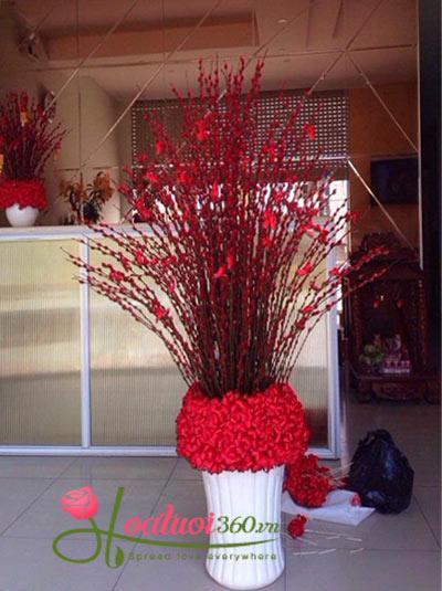 Bình hoa nụ tầm xuân - Như Ý