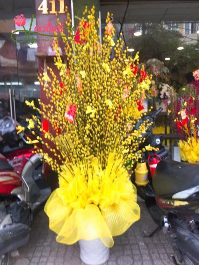 Bình hoa nụ tầm xuân vàng phú quý