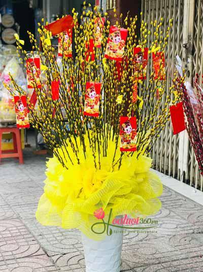 Bình hoa tầm xuân vàng chưng tết