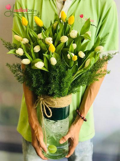 Bình hoa Tulip - Sắc màu lung linh