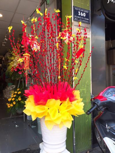 Bình hoa tầm xuân - Đón tài lộc, rước an khang