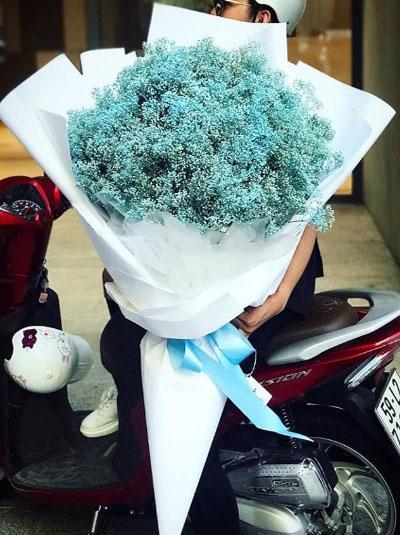 Bó hoa baby xanh khổng lồ