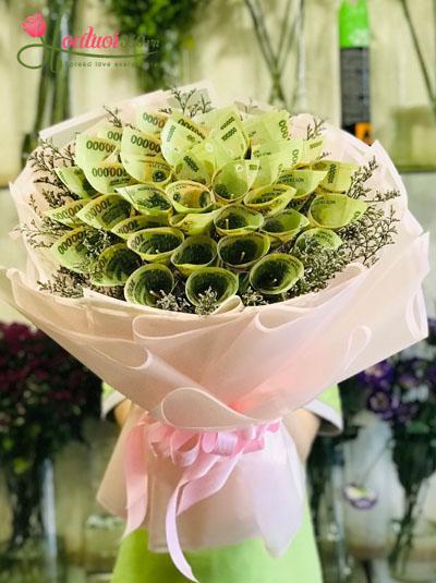 Bó hoa bằng tiền - Niềm vui bất ngờ