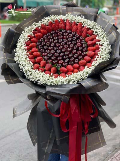 Bó hoa Cherry kết hợp dâu tây