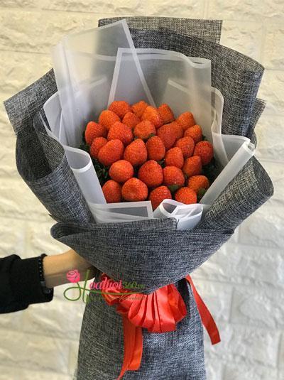 Bó hoa dâu tây - Mình cưới nhau đi em