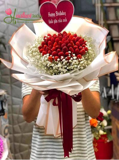 Bó hoa dâu tây - Phút giây ngọt ngào