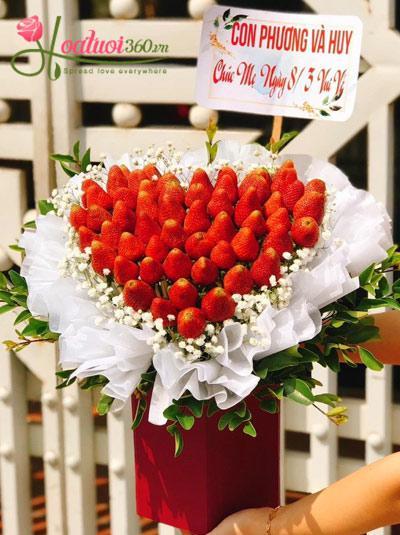 Bó hoa dâu tây - Strawberry flower