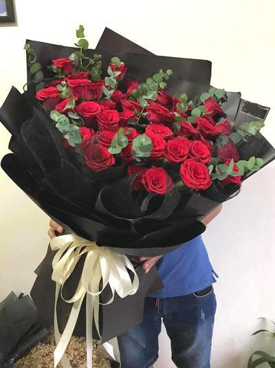 Bó hoa hồng đỏ - Happy birthday