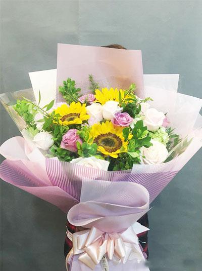 Bó hoa hướng dương kết hợp hồng tuyệt đẹp