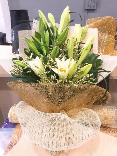Bó hoa loa kèn Hà Nội - Vẻ đẹp thuần khiết