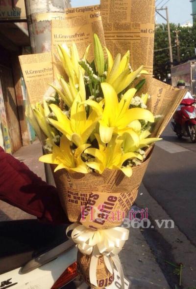 Bó hoa ly tặng sếp
