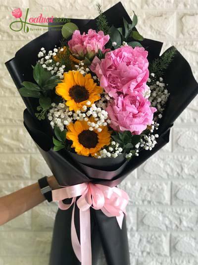 Bó hoa mẫu đơn kết hợp hoa hướng dương