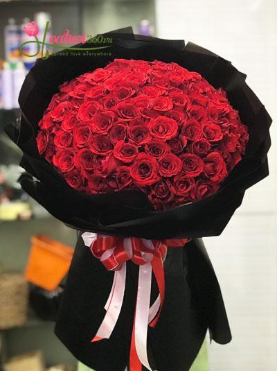 Bó hồng 99 bông- Vẻ đẹp huyền bí