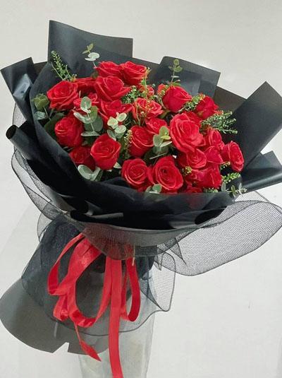 Bó hồng đỏ - Chỉ riêng mình em