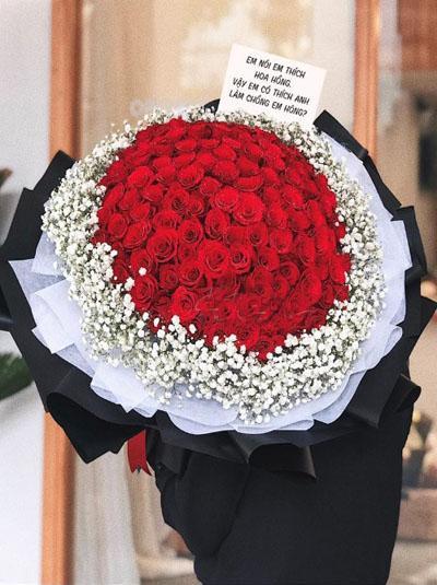 Bó hồng đỏ đẹp tuyệt vời say đắm tim nàng