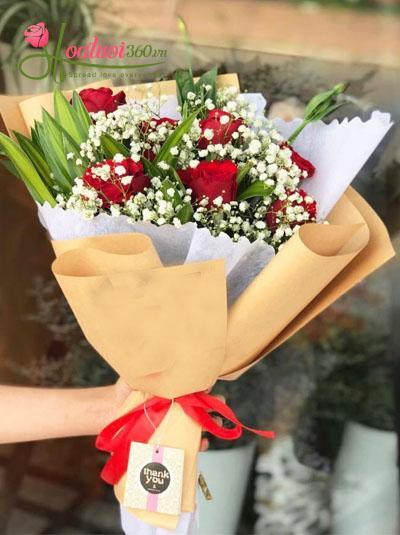 Bó hồng đỏ kết hợp hoa baby Hà Lan
