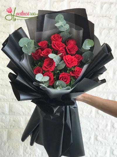 Bó hồng đỏ - rực cháy một tình yêu