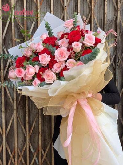 Bó hồng Ohara khổng lồ