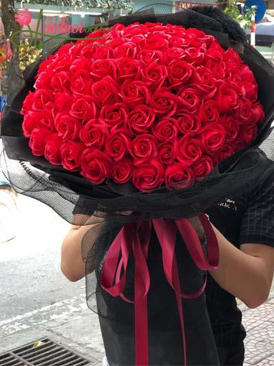 Bó hồng sáp đỏ 99 bông - Vì yêu