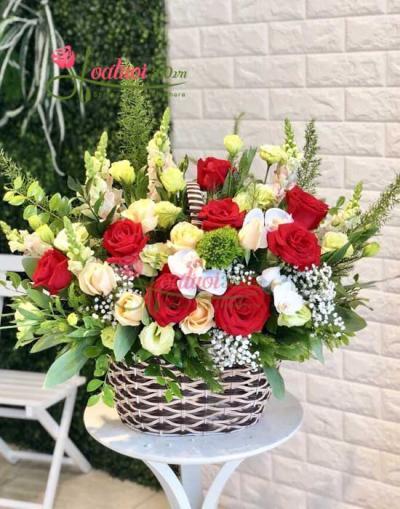 Giỏ hoa chúc mừng tươi đẹp