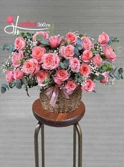 Giỏ hoa hồng chúc mừng - Rực rỡ trong gió