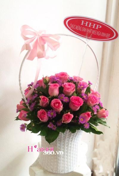 Giỏ hồng dâu ngọt ngào
