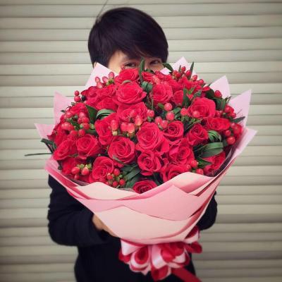 Bó hoa hồng 99 bông tình yêu chúng ta không bao giờ phai nhòa
