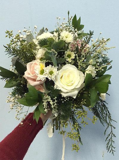 Hoa cầm tay cô dâu - Ngày ta sánh đôi