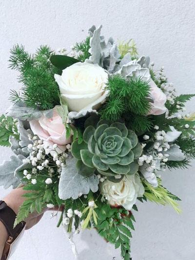 Hoa cầm tay cô dâu - Ta là của nhau