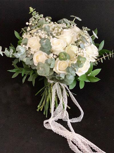 Hoa cầm tay cô dâu - Trắng tinh khôi