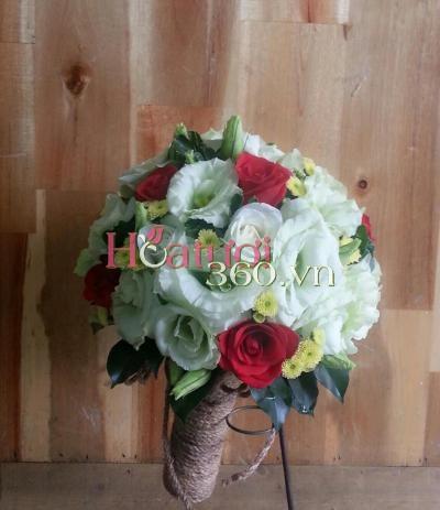 Bó hoa cẩm chướng cầm tay cô dâu đẹp thể hiện tình yêu vĩnh cửu
