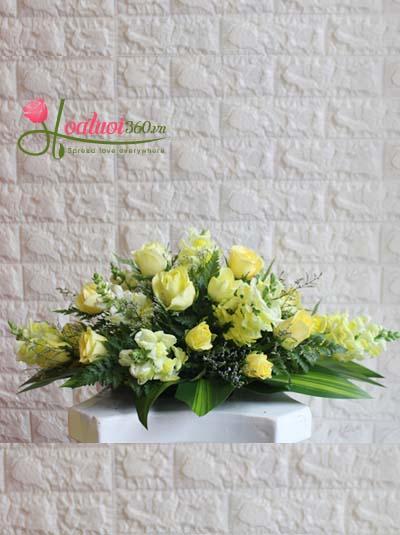Hoa để bàn - Hình oval màu vàng