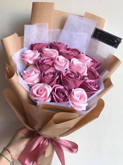 Hoa hồng sáp - Bó hoa tone pastel đẹp tuyệt
