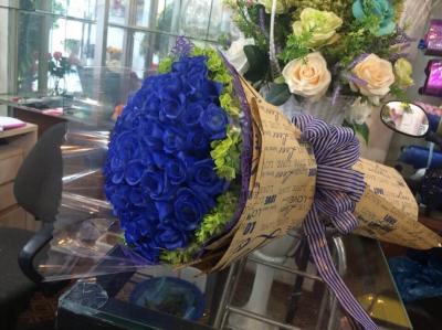 Hoa hồng màu xanh thể hiện lòng chân thành và thay lời cảm ơn