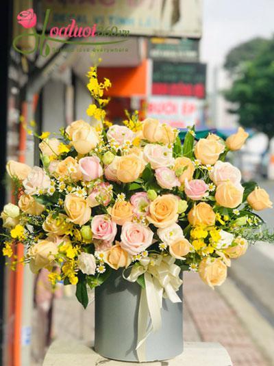 Hoa hộp hồng vàng - Gắn kết tình nghĩa