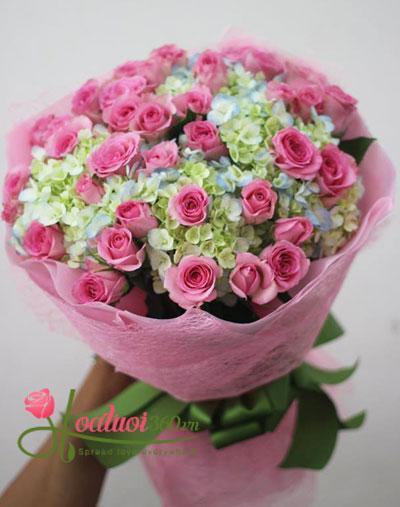 Bó hoa chúc mừng sinh nhật kết hợp với hoa cẩm tú xinh đẹp dành tặng mẹ