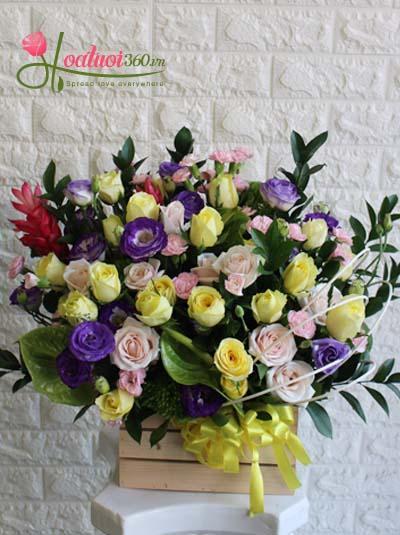 Hộp hoa chúc mừng - Hương sắc mới