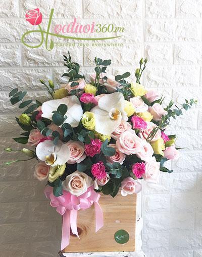 Hộp hoa chúc mừng kỷ niệm ngày cưới