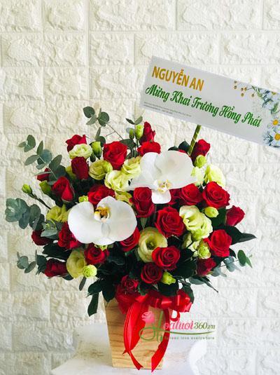 Hộp hoa chúc mừng may mắn