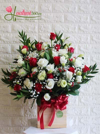 Hộp hoa chúc mừng - Ngày mới tươi đẹp