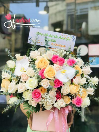 Hộp hoa hồng kết hợp - Ngày đẹp tươi