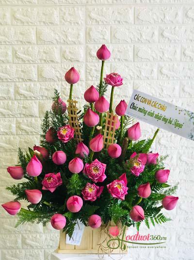 Hộp hoa sen chúc mừng - Nét Việt