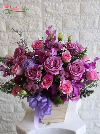 Hộp hoa tone tím lãng mạn