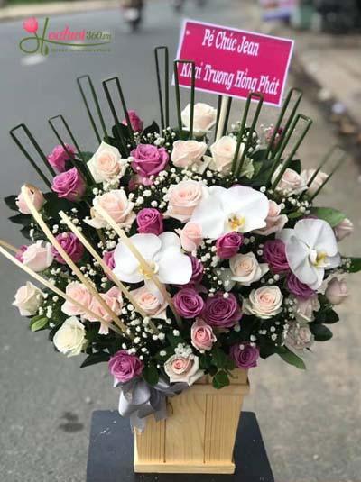 Hộp hoa tươi chúc mừng - Tone tím hồng sang trọng