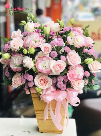 Hộp hoa xinh xắn