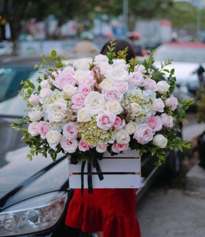 Hộp gỗ hoa hồng kết hợp hoa cúc chúc mừng sinh nhật mẹ đẹp nhất