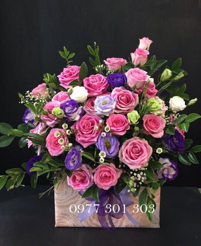 Hoa hộp gỗ: Tình yêu nồng nàn