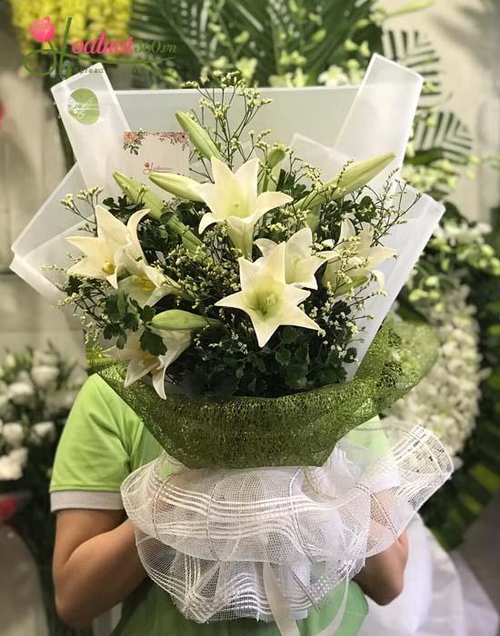 Bó hoa loa kèn đẹp nhất tại cửa hàng hoatuoi360